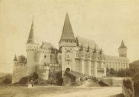 Bővebben: Szentmise a Vajdahunyadi várban