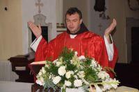 Bővebben: Magunk helyett a fölséges és dicsőséges Istenre fókuszálni
