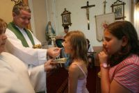 Bővebben: Miért jó, hogy vannak papok?