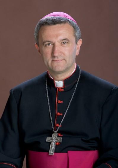 Veres András püspök