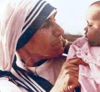 Bővebben: Száz éve született Kalkuttai Boldog Teréz anya