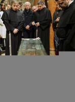 Bővebben: Kétszázezren látogatták meg a padovai bazilikában kiállított Szent Antal-csontereklyét