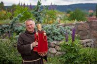 Bővebben: Böjte Csaba a Szűzanya kertjébe hív a bizonytalan mindennapokban
