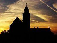 Bővebben: 5. Hét : Az Istennel folytatott párbeszéd hete - Gyertek imádkozzunk!