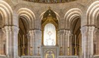 Bővebben: Százharmincöt éve folyamatosan imádkoznak egy párizsi templomban