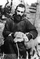 Bővebben: Pio atya tíz tanítása új lökést adhat az életednek