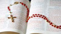 Bővebben: Mária iskolája, október imádsága: a rózsafüzér