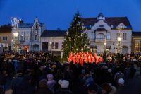 Bővebben: Advent: kigyúltak az ünnep fényei Csíkszeredában