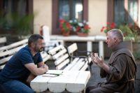 Bővebben: Esti Kérdés - Párbeszéd a kerek asztal mellett