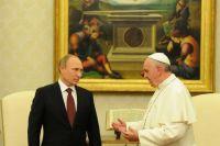 Bővebben: Ferenc pápa Vlagyimir Putyin orosz elnökkel találkozott