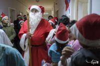 Bővebben: Tizenhét éve ölt piros ruhát az erdélyi gyerekek örömére a szekszárdi Mikulás