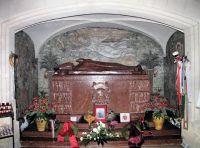 Bővebben: KILENCED BOLDOG APOR VILMOSHOZ - 9. Hűségesen kitart haláláig az Isten által rábízottak mellett